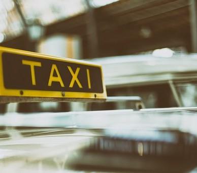 Alliance Taxi gère directement le transport de colis de votre entreprise près d'Albi
