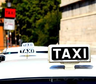 Contactez notre société de taxis pour le transport professionnel de vos employés vers l'aéroport de Toulouse